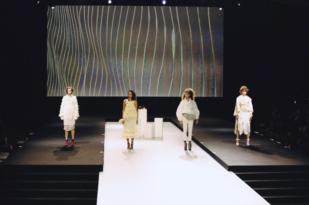 Show de la Haute Coiffure Française 2018 au Carrousel du Louvre, Paris, France.
